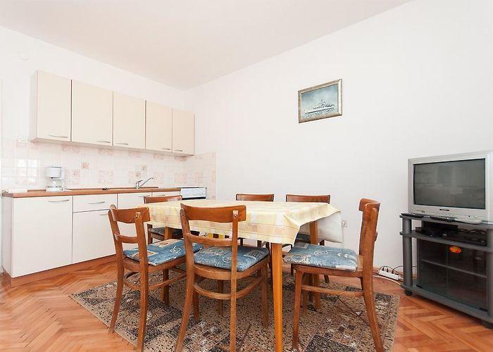 Silvana A3 3 Bedroom Apts Pag Island Croatia Rates From 82